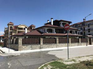 Къщата на кмета управлявал през това време от ГЕРБ