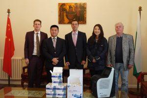 保加利亚中国工业商会南中国区分会冯鑫会长,保加利亚中国工业商会伊沃·甘切夫副理事长,与杭州优思达生物科技有限公司总经理助理廉洁明女士