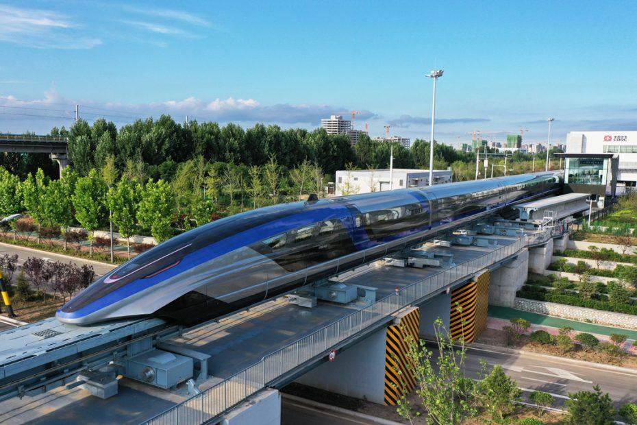 Китай пусна влак на CRRC със скорост 600 км/ч